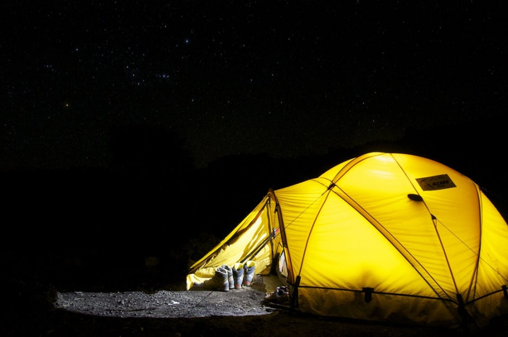 tent-camp-night-star-45241